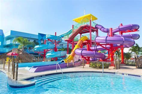 Flamingo Waterpark Resort: 2017 Room Prices, Deals ...