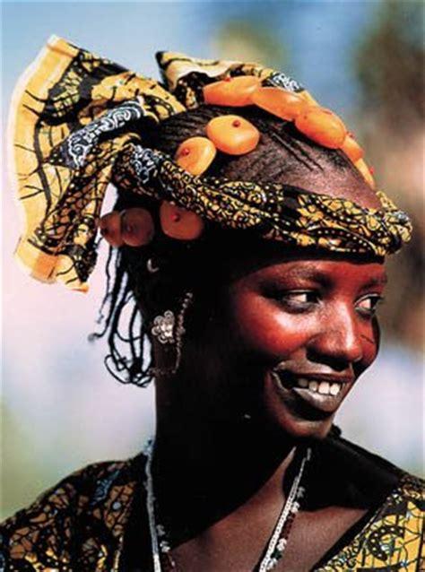 hair plaiting mali and nigeria the traveler l 226 me du voyage african masks two fulani