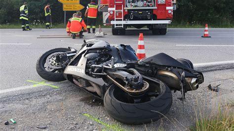 Motorrad Unfall 3 Tote by Motorradfahrer Stirbt Auf Der B13 Bayern