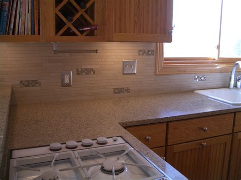 porcelain and glass kitchen backsplash in