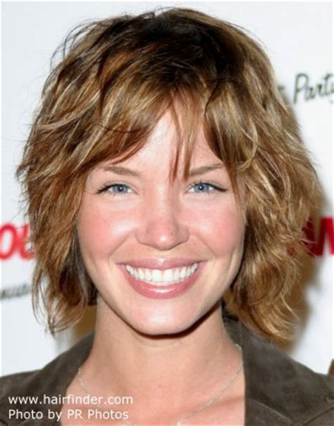coller length shaggy hairstyles from the 70 s collar length shag collar length shag short hairstyle