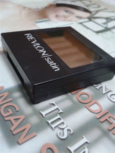 Eyeshadow Komplit product review revlon luxurious color satin eyeshadow in shimmering cruisin with