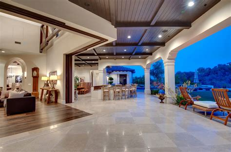 Large Mansion Floor Plans by 10 Luxurious Ways To Decorate With Travertine In Your