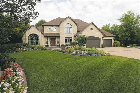 Winnipeg Luxury Homes Peace And Privacy Winnipeg Free Press Homes