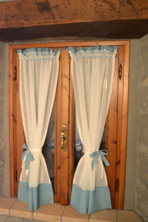 tende per finestra cucina country the blue tende con fiocchi e cuori in una
