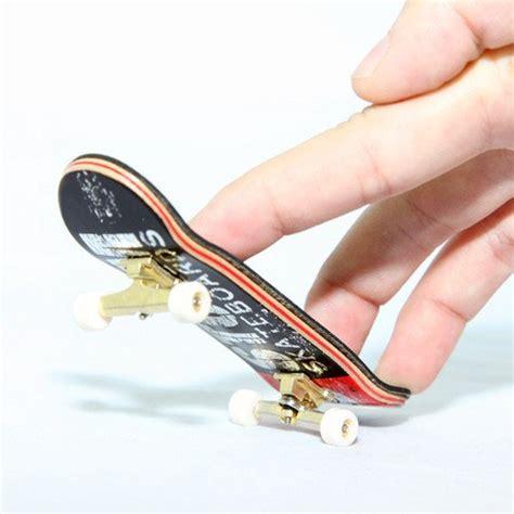 Amio Id Gamis White Maple galleon tech deck finger skate board maple
