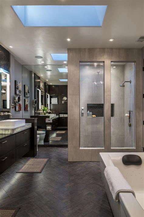modern style master bathroom opens to hollywood hills view 60 nichos para banheiros ideias e fotos lindas