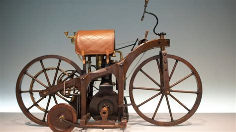 Wann Wurde Das Erste Auto Gebaut by Gottlieb Daimler Das Erste Auto Mit Vier R 228 Dern Wissen