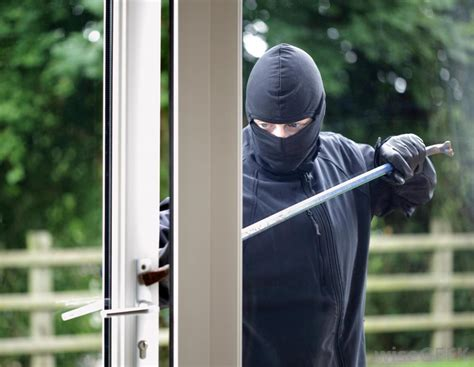 does a home security sign really deter burglars