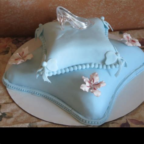 cinderella slipper cake 27 best chadstorybook images on cinderella