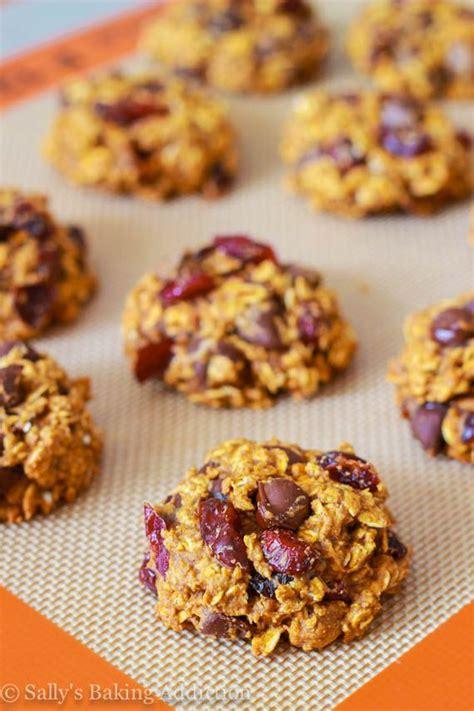 Healthy Pumpkin Oatmeal Chocolate Chip Cookies