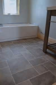 Flooring Ideas For Bathrooms by Best 25 Vinyl Sheet Flooring Ideas On Luxury