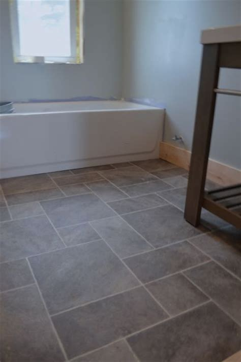 can you use laminate flooring in a bathroom best 25 vinyl sheet flooring ideas on vinyl