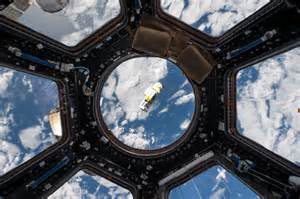 lego zero g astronaut on the iss 1920x1080 wallpapers