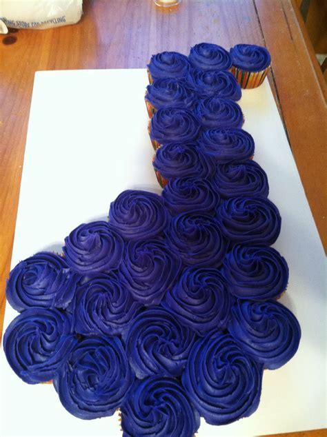 introducing  note cupcake cake