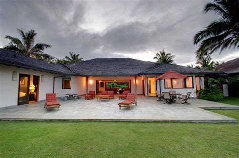 obama hawaii vacation house barack obama house in hawaii homes of the rich and obama house and