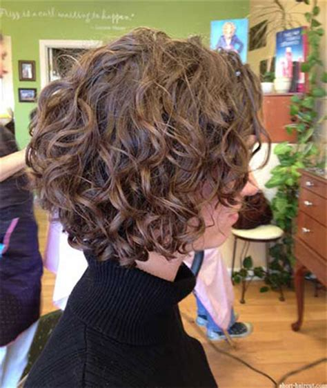 20 + short & curly bob haircut styles for girls & women