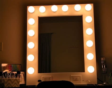 light mirror 10 best ideas about mirror with light bulbs on