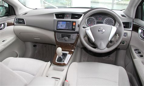 nissan sylphy 2010 interior file nissan sylphy b17 g interior jpg wikimedia commons