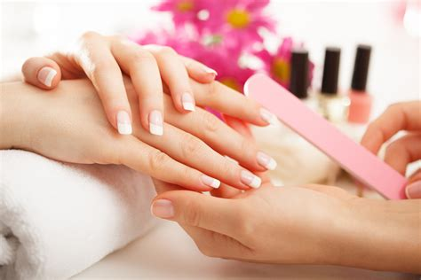 Cursus Manicure by Home Be Chic Nails And