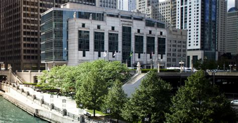 U Of Chicago Dean Of Mba School by Gleacher Center The Of Chicago Booth School