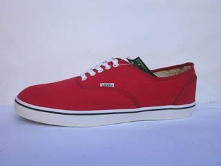 Vans The Wall Authentic Merah sepatu vans authentic murah warna merah pictures