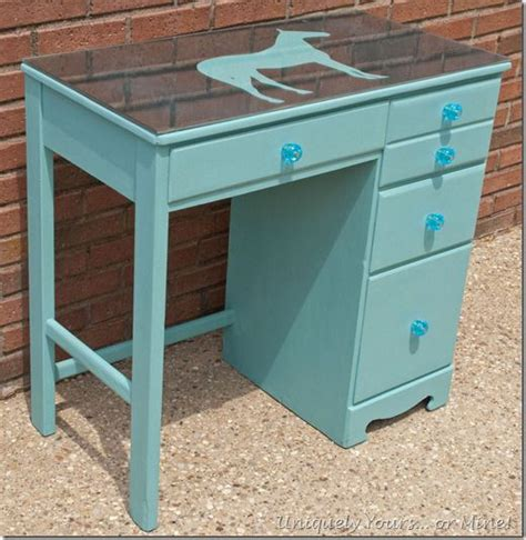Painted Wood Desk by Best 25 Child Desk Ideas On