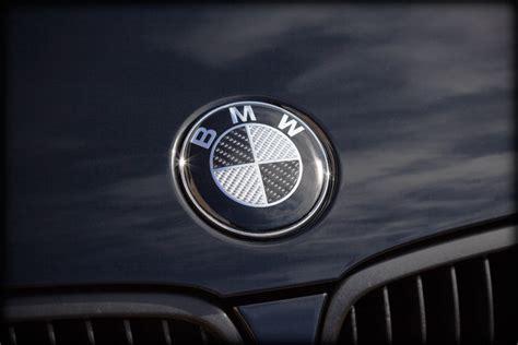 carbon fiber bmw emblem carbon fiber front chrome badge emblem for bmw 82mm 2
