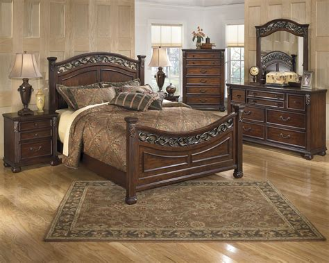 ashley furniture signature design bedroom set signature design by ashley leahlyn queen bedroom group