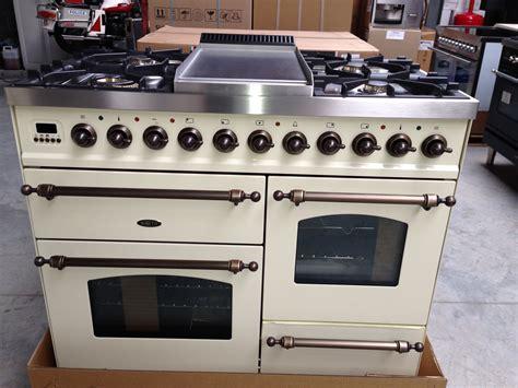 keuken 1500 euro boretti fornuis met 3 ovens 6 kookzones warmhoudzone