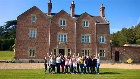 rent a house for a weekend luxury hen party house to rent hen weekend packages