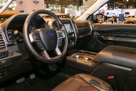 2017 ford expedition platinum 2018 ford expedition first look review bigger but lighter