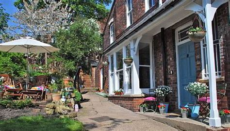 lincoln bed and breakfast near cathedral bed and breakfast the poplars lincoln lincolnshire