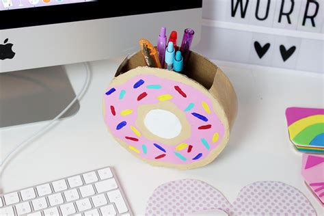 diy basteln diy donut stiftehalter aus klopapierrrollen selber basteln