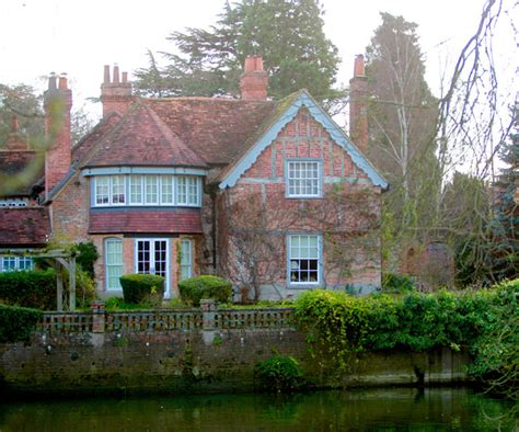 george michael s house so wohnte george michael in goring on thames