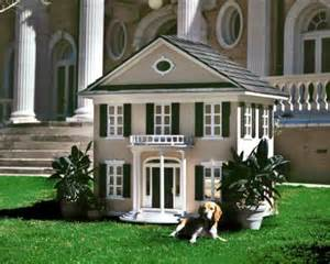 20 Most Luxurious Dog Houses 25 Luxury Doghouses We D Live In Home Amp Garden Do It