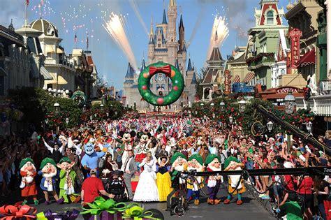 new year parade on tv disney parks day parade celebrates 30 years of