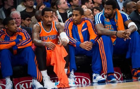 knicks bench knicks suffer ugly loss to hawks as crowd chants for mike woodson to be fired ny