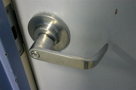 Simple Machine Door Knob by