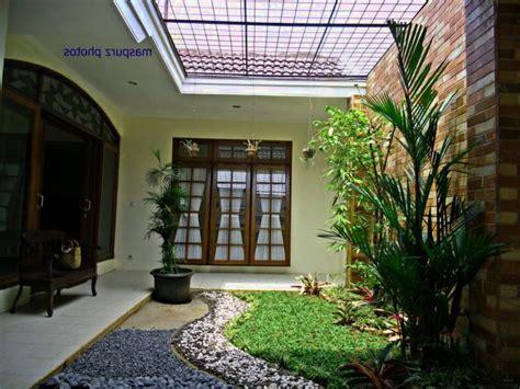 sensasi taman  atap rumah rumah pantura