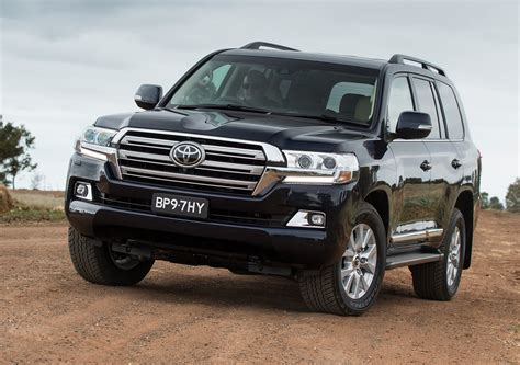 Toyota Land Cruiser Future Models 2016 Toyota Land Cruiser Revealed Gaadi