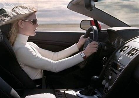 foto donne al volante donne e motori le 10 migliori auto al femminile