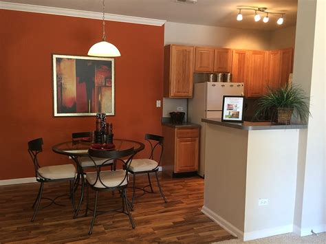 the cottage new renovated one bedroom apartment naperville 1 2 bedroom newly renovated apartments