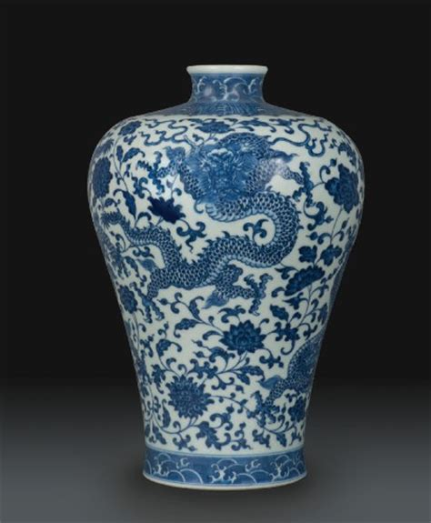 Qing Dynasty Vase by Qing Dynasty Vase Brings 3m World Record