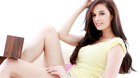 wallpaper for pc hot evelyn sharma hot hd wallpaper wallpapers new hd wallpapers