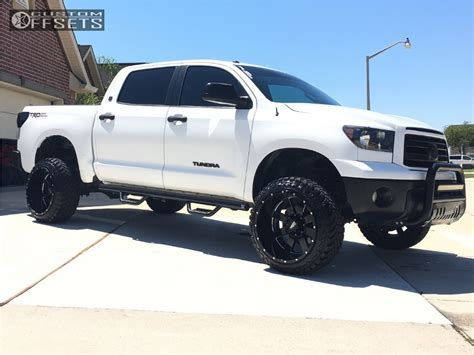 Suspension Lift Toyota Tundra 2010 Toyota Tundra Moto Metal 962 Maxtrac Suspension Lift 6in