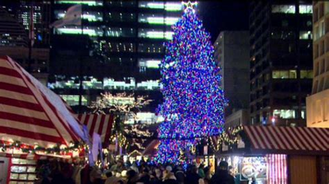 dsley plaza christmas tree the history of the official chicago tree 171 cbs chicago