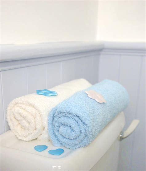 bathroom towel decorations bathroom towel decoration ideas ehow uk