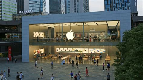 the apple store is now simply apple company says