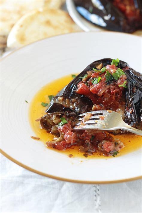 recette cuisine aubergine aubergines farcies v 233 g 233 tariennes recette imam bayildi